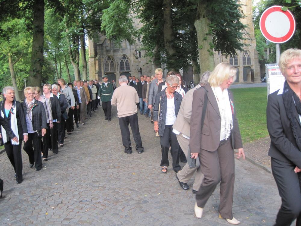 Nach der Kirche Mitglieder